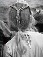 Middelalderlige frisurer for kvinder