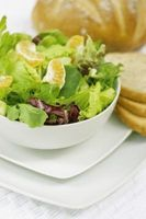 Orange spinat møtrik salat