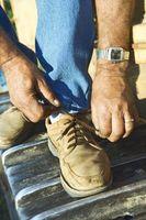 Hvordan til at fjerne benzen lugt fra sko