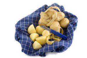 Sådan opbevarer Skrællede kartofler