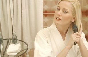 Hvordan til farvning af de Under en del af din Blond hår