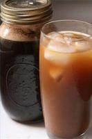 Hvordan man laver en kold kaffe Brewer