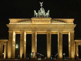 I hvilket område af Berlin er Brandenburger Tor?