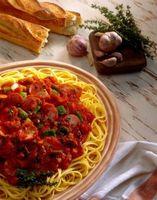 Hvordan til at modvirke den Sure smag af Spaghetti Sauce