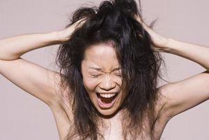 Hvordan man laver dit hår lige i løbet af dagen