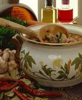 Hvordan man laver en frisk grøntsagssuppe til vægttab