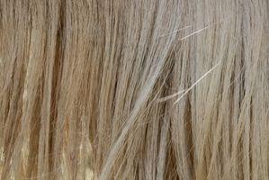 Sådan Fremhæv Medium-farvet hår derhjemme